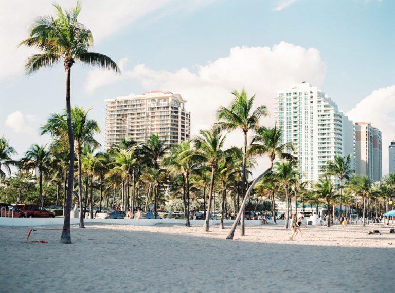 Mexicanos ricos se van del país para invertir en el extranjero, preferiblemente a Miami.